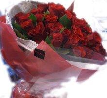 他の写真2: 【大輪プレミアム】赤いバラのブーケ-1本500円(お好きな本数でお作りします)