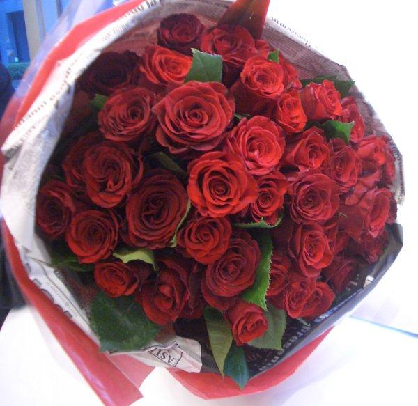 画像1: 【大輪プレミアム】赤いバラのブーケ-1本500円(お好きな本数でお作りします)