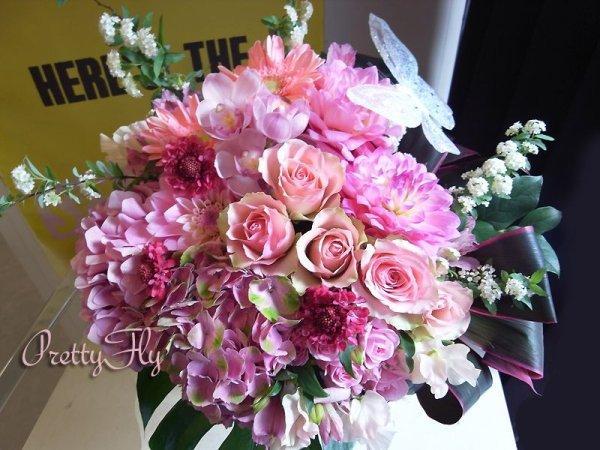 画像1: ビッグブーケ(花束)-バタフライビッグブーケ〜季節のお花(Pinkバージョン)