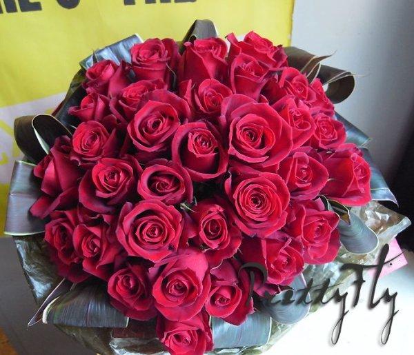 画像2: バラギフト -深紅のバラ30本 '' True Love ブーケ30 ''