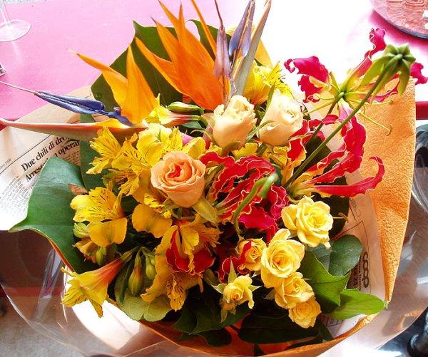 画像1: ブーケタイプ花束-オレンジバード50